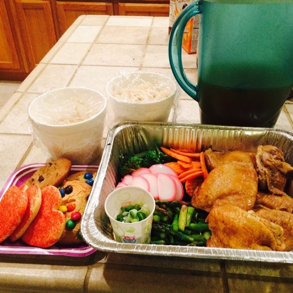 Dinner delivery from Carolyn Ito. Udon, chicken, veggies, and cookies!